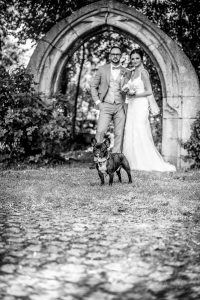 Mit dem Brautpaar und Stitch zum Fotoshooting am Lessinghaus Wolfenbüttel